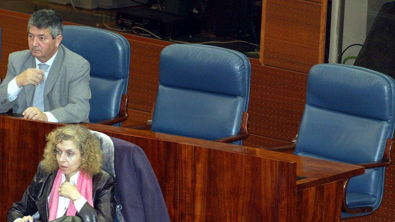 La jornada definitiva de la sesión de investidura, en imágenes.Los asientos vacíos de Tamayo y Sáez