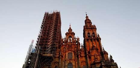 La edición menos rompedora de ARCO.La restauración de la base central de la fachada del Obradoiro están pendiente de la recaudación de 1,7 millones de euros.