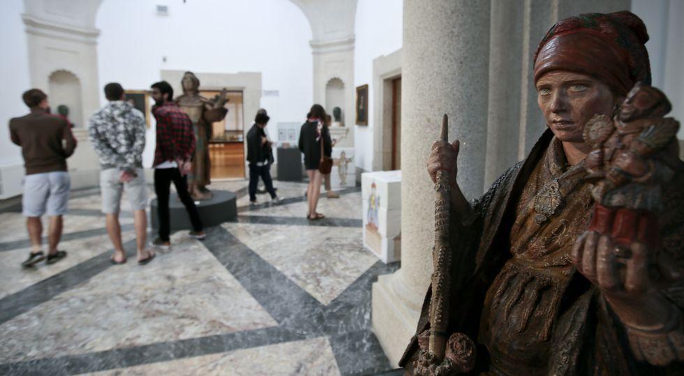 El Pazo Museo de Tor por dentro.Las «tapas de cultura» del Museo ofrecen a los visitantes «degustaciones» de piezas elegidas, como esculturas de Asorey.