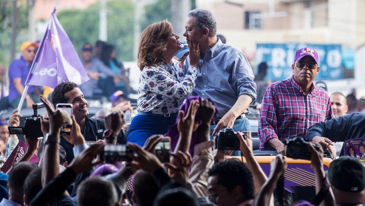 El expresidente Leonel Fernández y su esposa, la actual vicepresidenta, Margarita Cedeño, en un mitin en octubre del 2019