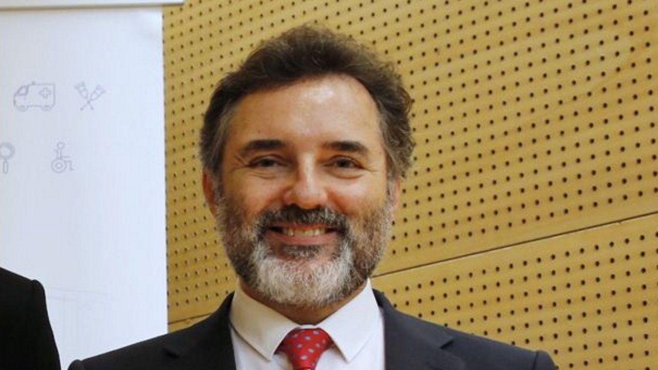 sandra ortega.Reunión del presidente de la Diputación con AECC Ourense