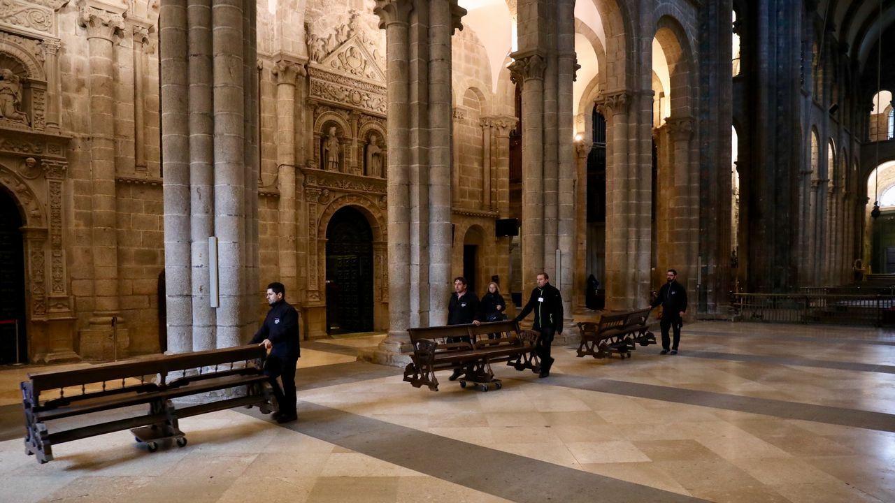 Traslado mudanza de muebles de la catedral por las obras.Desbordamiento del río Tambre