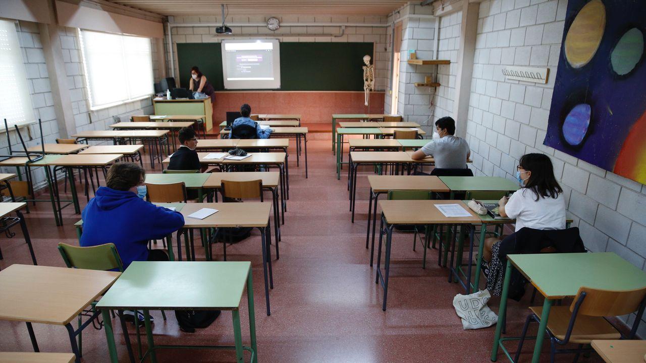 Regreso a las aulas en Ribeira.Vuelta a las aulas en el instituto Rafael Dieste de A Coruña