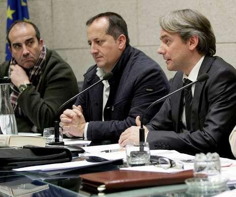Dorribo vuelve a los juzgados.Lázare, Veiga y González, en la asamblea de diciembre.