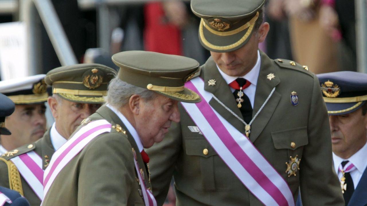 El vínculo pontevedrés de Juan Carlos I con la ría de Pontevedra.Felipe VI y Juan Carlos I en un acto en El Escorial en el 2014