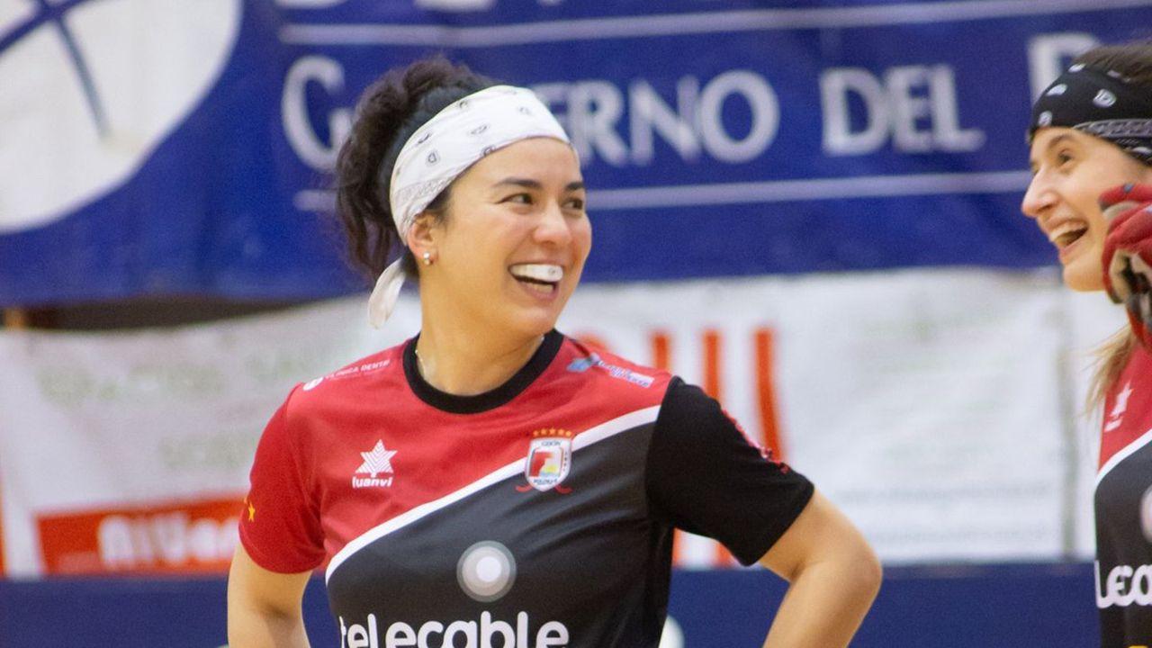 La jugadora de hockey patines Natasha Lee