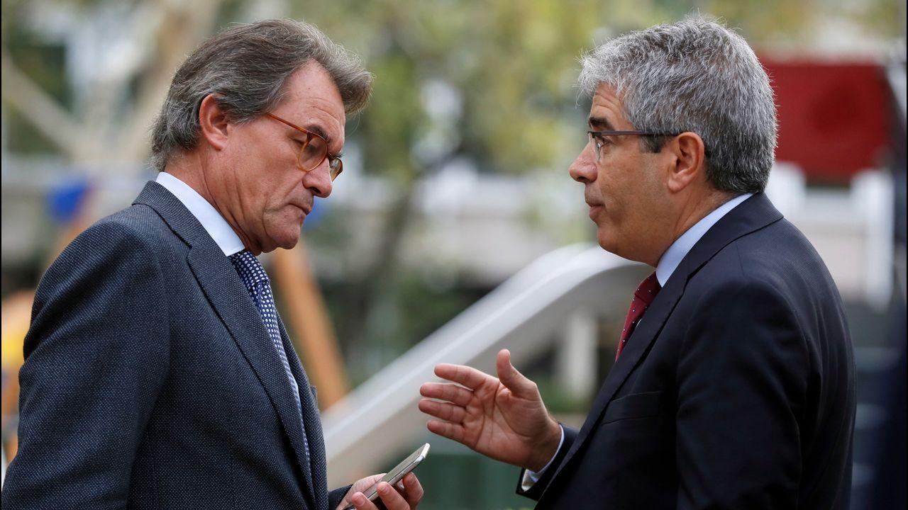 Artur Mas y líderes de PDeCAT, ERC y Podem apoyan a los querellados