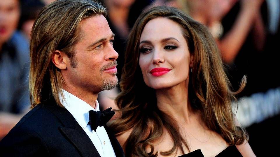 El agresor fue inmovilizado por los guardias de seguridad.Angelina Jolie y Brad Pitt ya planean su boda.