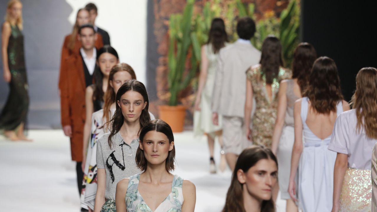 Los diseños de Roberto Verino y Jorge Vázquez deslumbran la Madrid Fashion Week.Marta Ortega y Carlos Torretta, en el desfile de Roberto Torretta