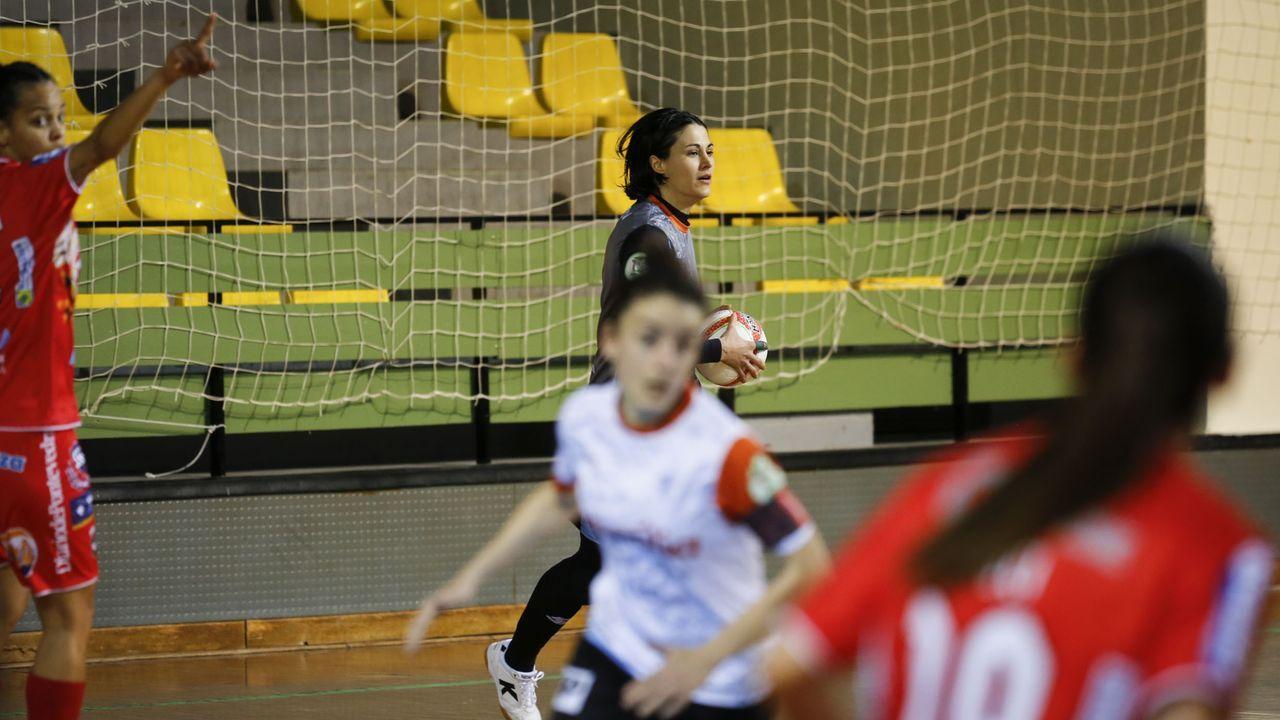 Las imágenes del Ourense - Burela, el derbi de fútbol sala femenino.El Burela ganó con claridad al Ourense Envialia: 1-4