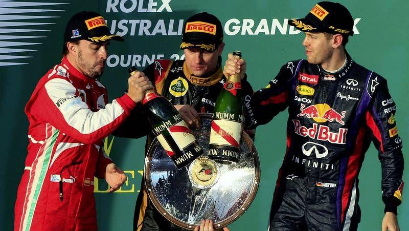 El GP de Australia, en imágenes.<span lang= es-es >Webber evita a Vettel</span>. El alemán intentó suavizar la tensión al abandonar el podio, pero Mark evitó escucharle.