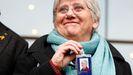 La exconsejera de la Generalitat y prófuga de la Justicia Clara Ponsatí, con su credencial de eurodiputada