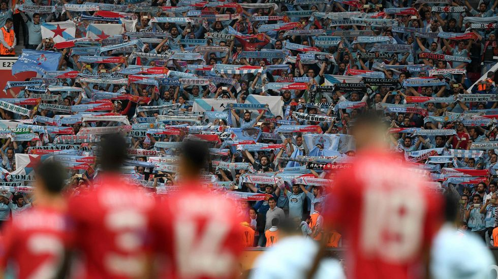 Y Old Trafford cantó el himno gallego.Ángel Esmorís, a pesar de pertenecer al Manchester City, está cedido en el Mallorca.