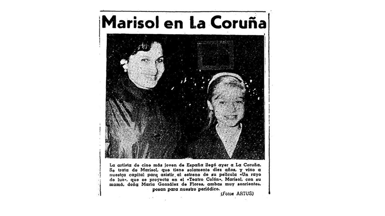 Fotonoticia de Marisol y su madre en el estreno de «Rayo de luz» en A Coruña publicada el 19 de noviembre de 1960