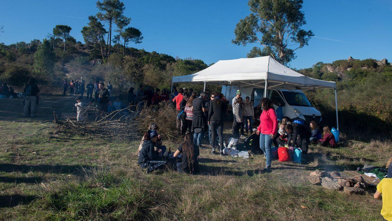 Jornada espectacular de magostos en Montealegre y el parque Barbaña.Una de las formaciones recientes del equipo gallego que juega el torneo norteamericano.