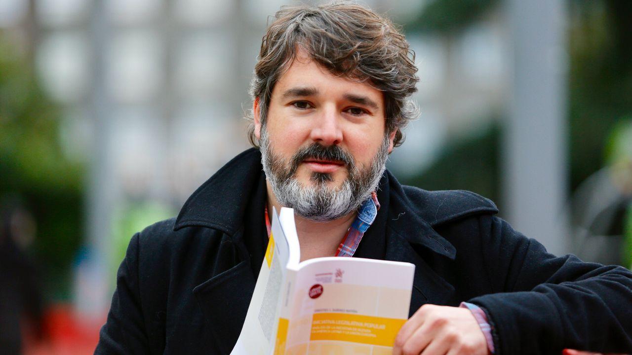Orestes Suárez presenta el martes en el Rectorado de A Coruña su libro  Iniciativa legislativa popular. Análisis de la iniciativa de agenda en América Latina y Europa , prologado por Josep Borrell