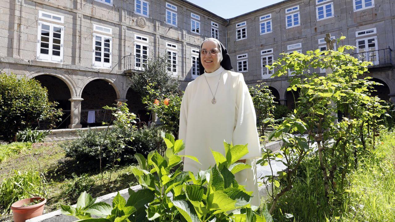 ÁLBUM: Hoteles de Lugo que servirán como alojamiento para distintos colectivos.Los militares, empezando a desinfectar el geriátrico de Covas, en Viveiro, este martes a mediodía