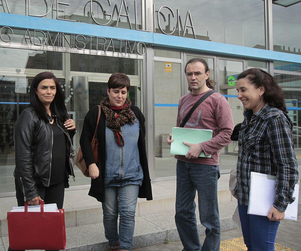 Do Campo recibió a los padres en la delegación.