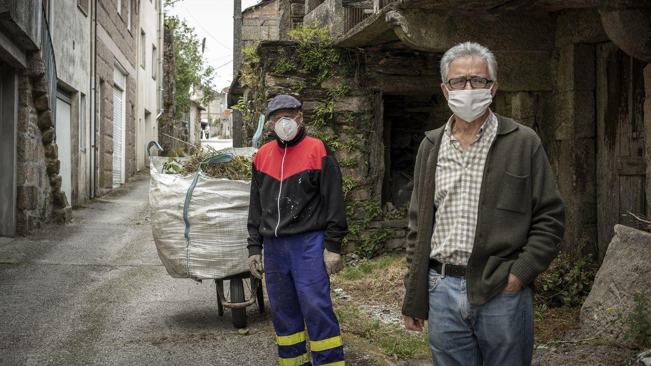 Manuel Souto y Emilio Gulías, retornados de México con hogar en Beariz