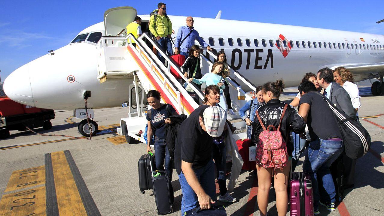 Feijóo plantea a Sánchez una bajada del IVA del turismo para 2020 y 2021.Aeropuerto de Asturias
