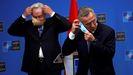 El primer ministro de Montenegro, Zdravko Krivokapic, y el secretario general de la OTAN, Jens Stoltenberg, el pasado día 15, en Bruselas
