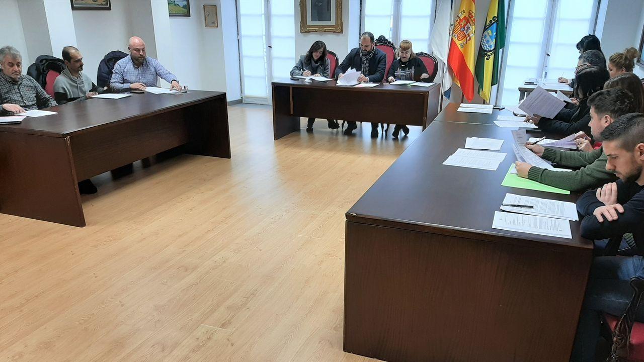 La A-6 en Lugo, llena de baches, grietas y socavones.La Universidad Laboral de Gijón