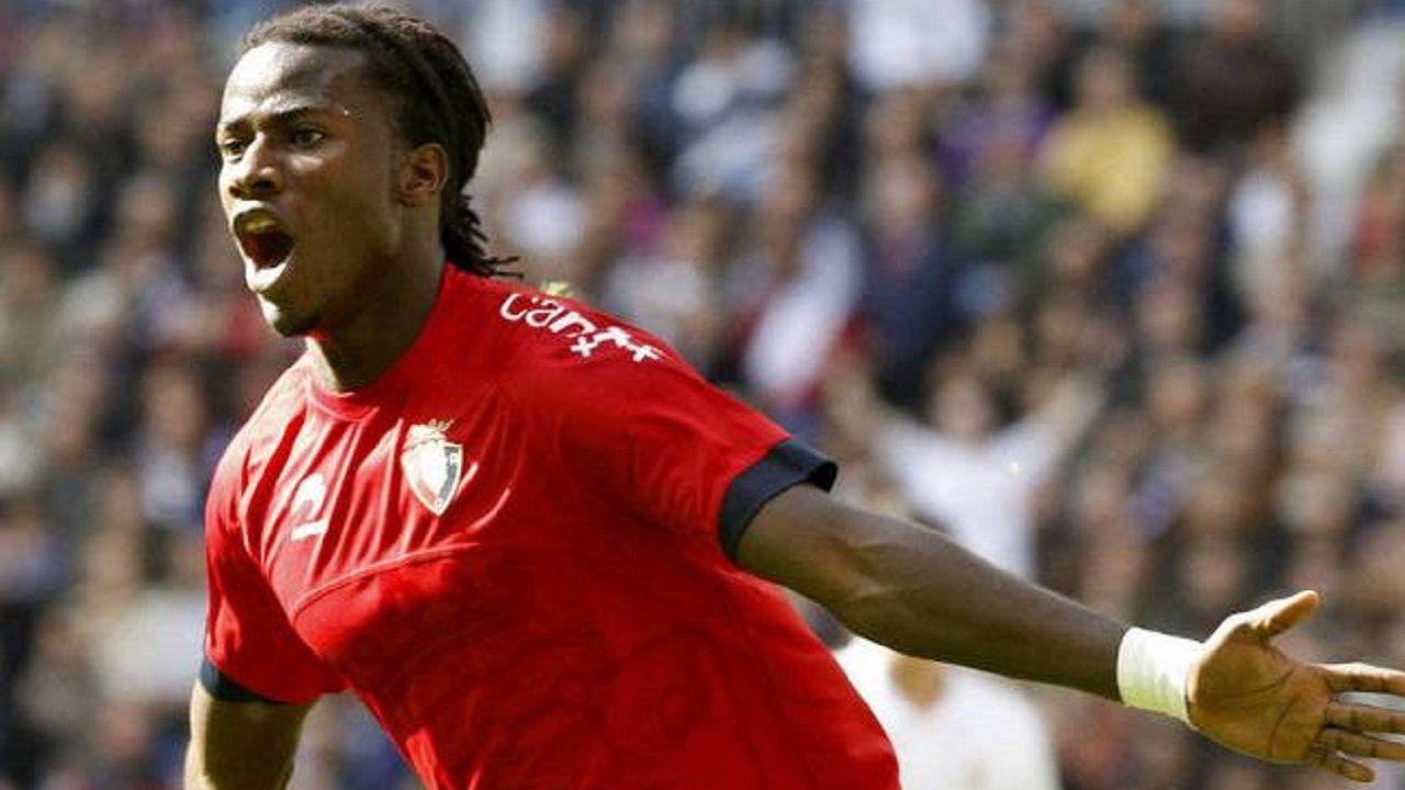 Ibrahima celebra un gol con Osasuna