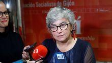 Ana González, atiende a los medios en la sede del PSOE de Gijón