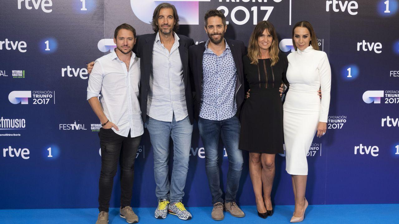 15 años del chándal de Chenoa.De izquierda a derecha: Manuel Martos, Jose Perez- Orive, Roberto Leal, Noemi Galera y Mónica Naranjo