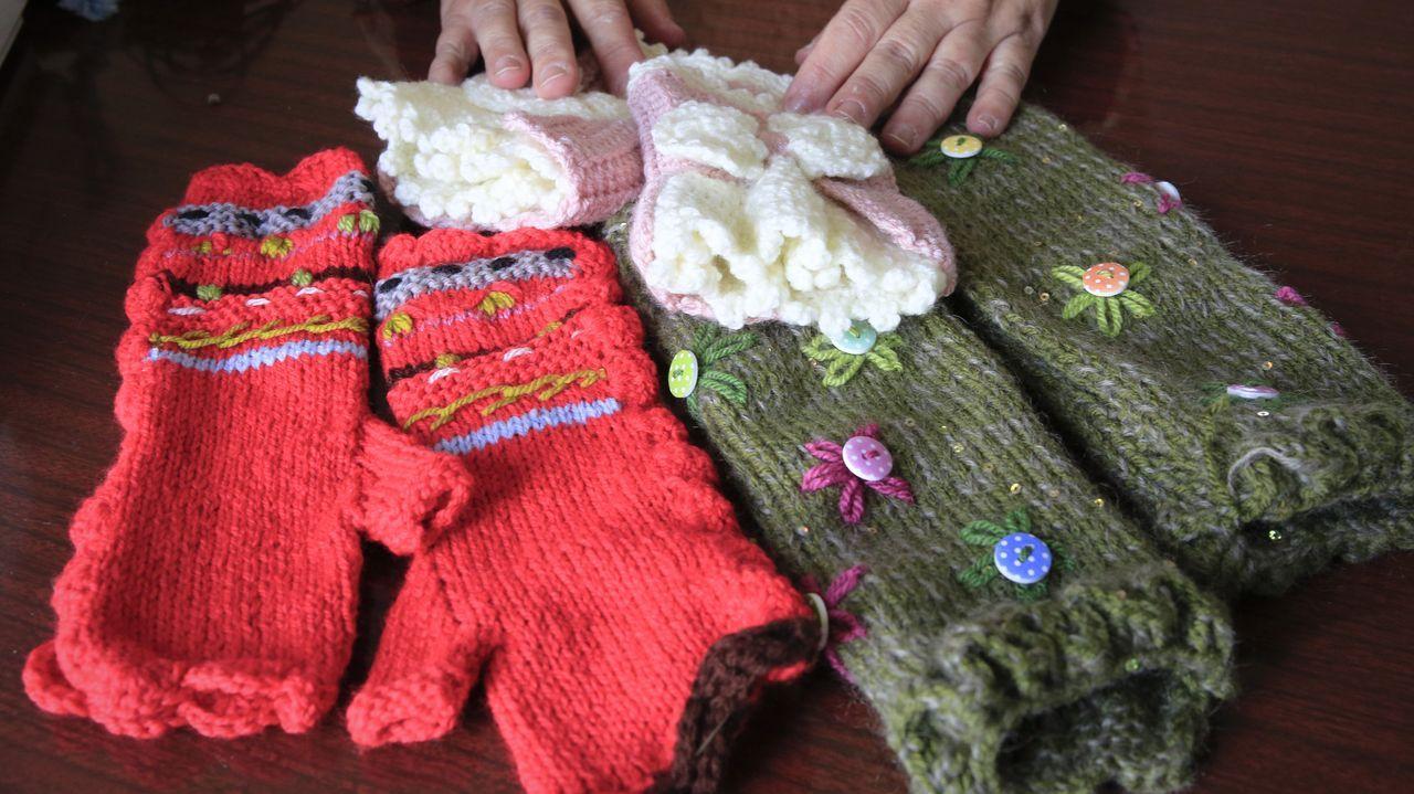María ahora se dedica mayoritariamente a confeccionar ropa de bebé