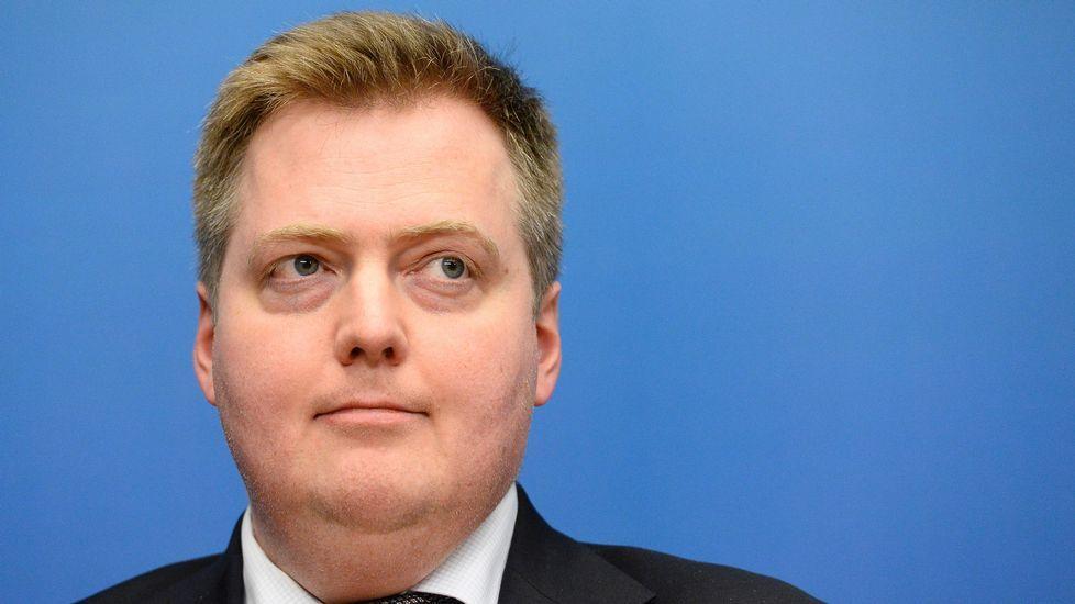 En el caso de Islandia, los documentos muestran los lazos del primer ministro Sigmundur Davíd Gunnlaugsson y su esposa con sociedades anónimas en el extranjero durante la crisis financiera que vivió ese país