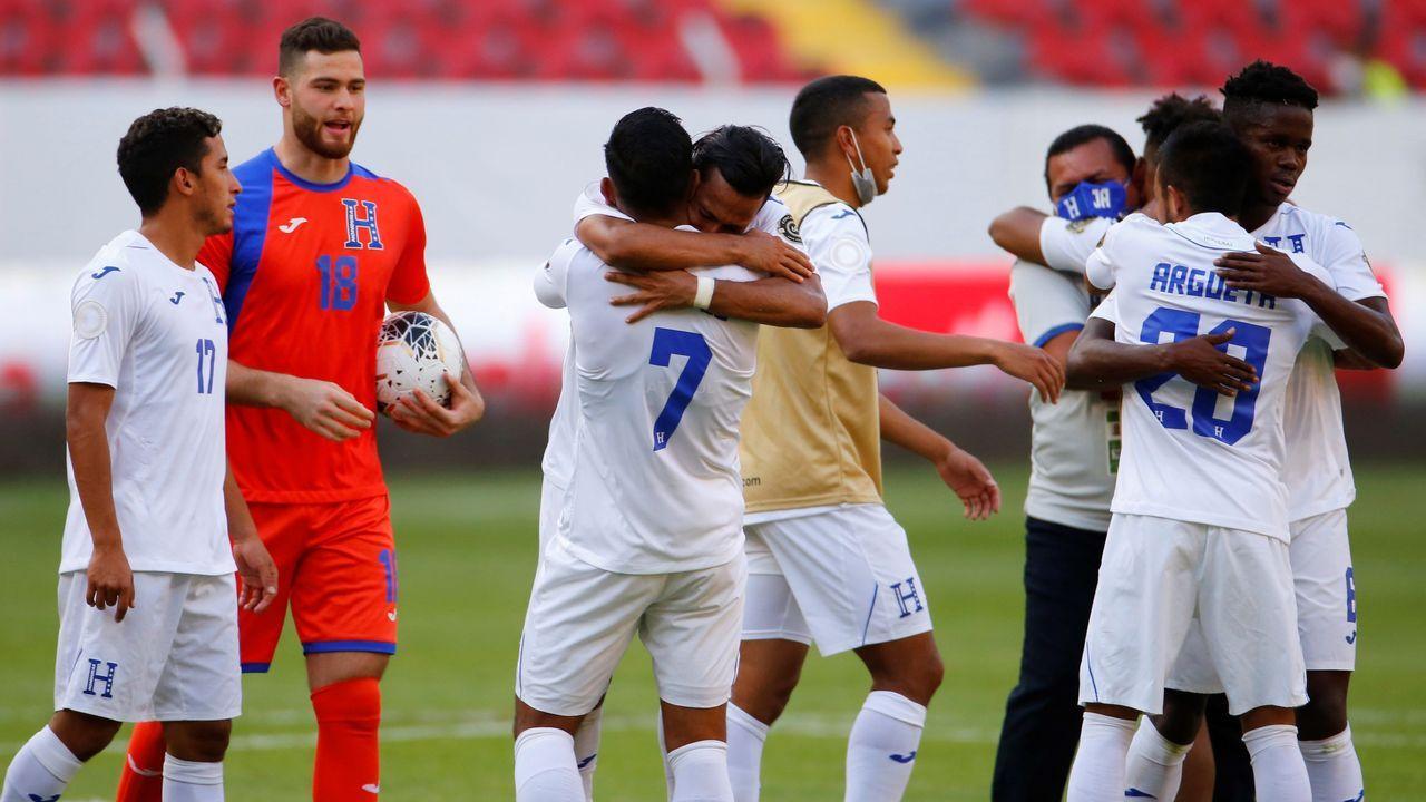 Teresa Portelase clasifica para los Juegos en Pontevedra.Jugadores de Honduras celebran el triunfo contra Estados Unidos