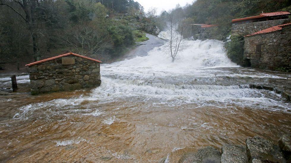 Inundaciones en A Barosa, en Barro