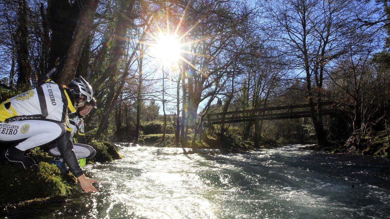 En Ourol se puede disfrutar a pie o en bicicleta de unas rutas por la orilla del rí Sor sorprendentes