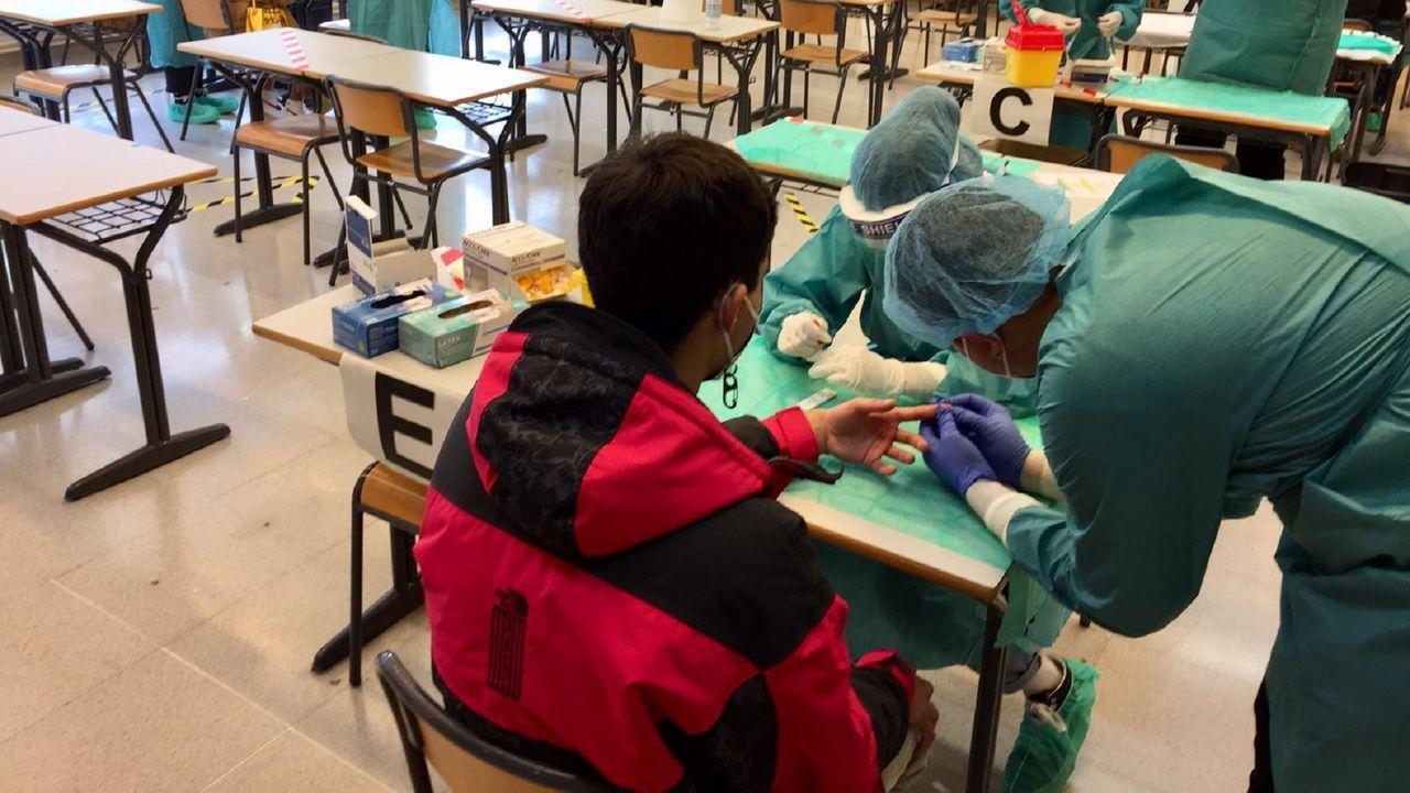 En octubre se llevó a cabo un cribado de pruebas serológicas (en la imagen). En esta ocasión se harán test de antígenos con recogida de muestras nasofaríngeas