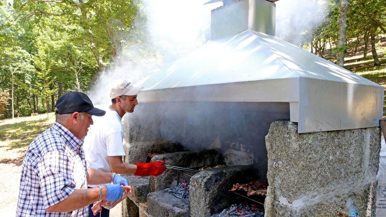 Incendio en Cenlle.La Xunta inició el año pasado la autorización de barbacoas en zonas ZAR, como esta del parque forestal de Saiáns, en Vigo, bajo estrictas condiciones de seguridad