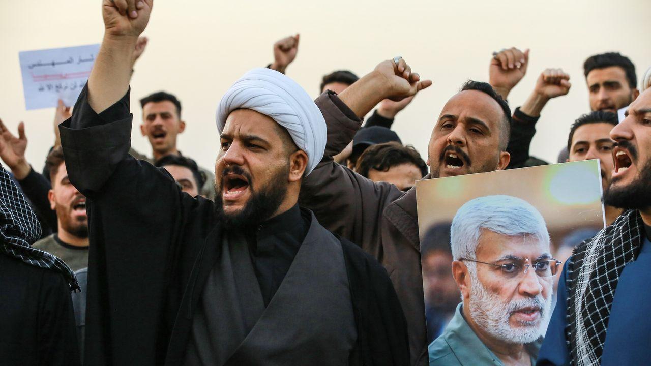 Manifestantes chiíes se manifiestan en Bagdad por la muerte del general iraní Soleimani