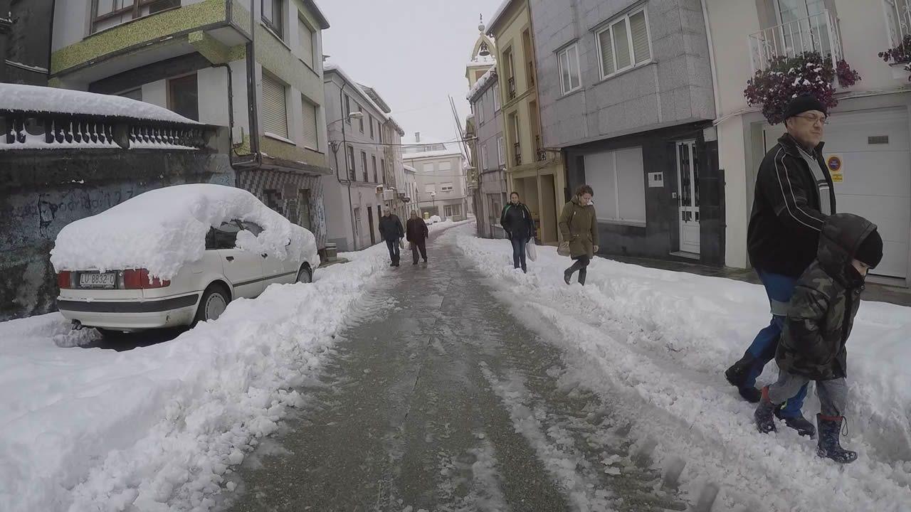 Circulación complicada por la nieve entre A Fonsagrada y Lugo