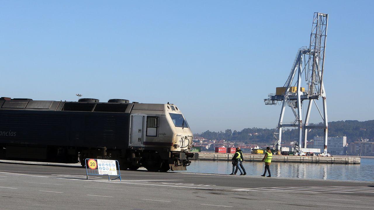 El tren del puerto a su paso por Vilagarcía.Una operación contra el tráfico de heroína realizada en Vilanova