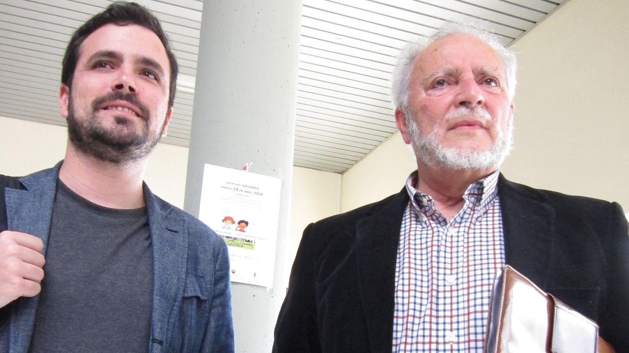 El ministro de Consumo y coordinador federal de Izquierda Unida, Alberto Garzón, llora la muerte de Anguita, «camarada, inspiración y ejemplo».