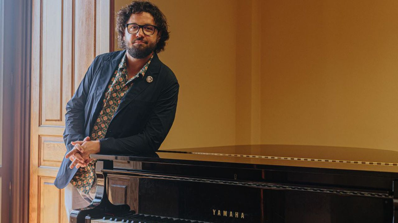 El director de orquesta Aarón Zapico