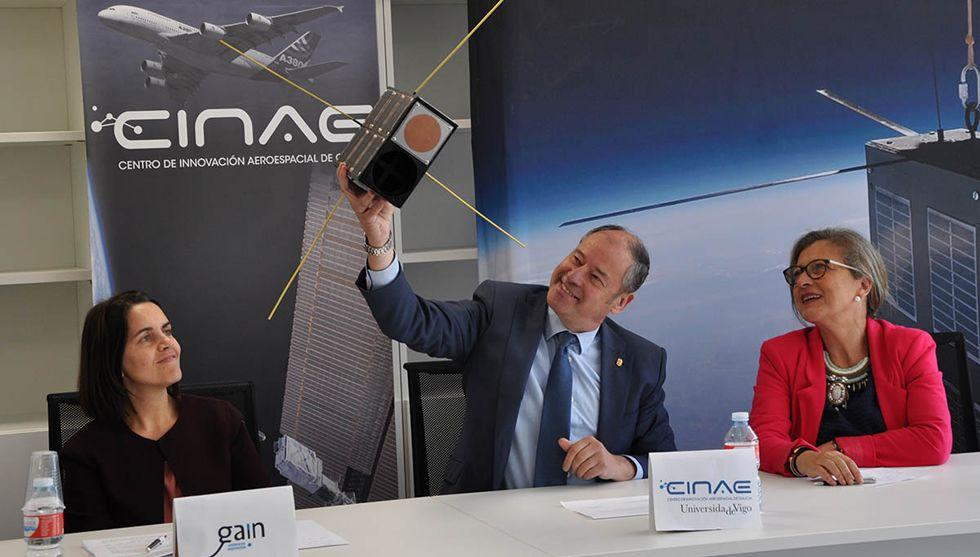Día histórico para la ETEA.Santiago Rey con el alcalde de Vigo, Abel Caballero