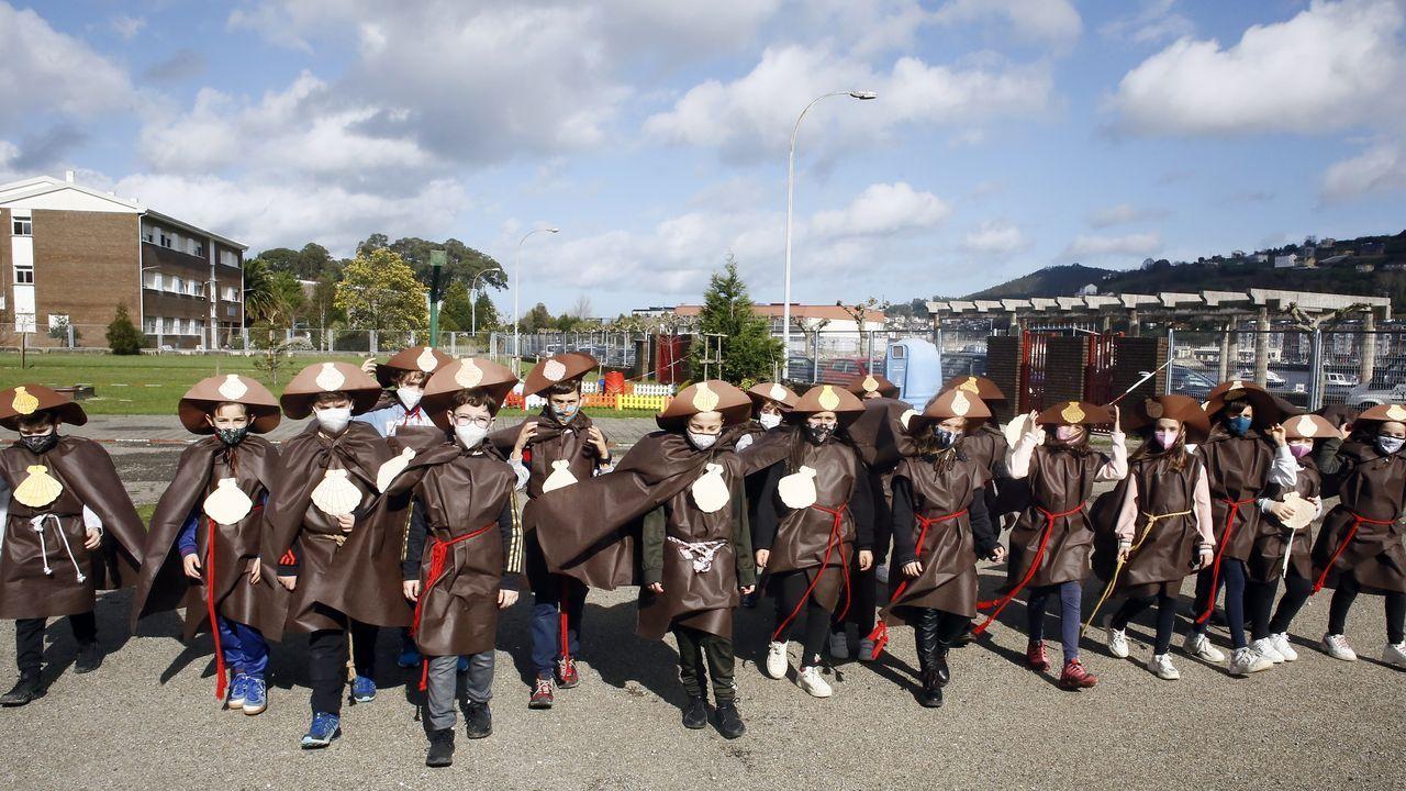 Alumnos del CEP Lois Tobío de Viveiro, dentro de Voz Natura disfrazados de peregrinos