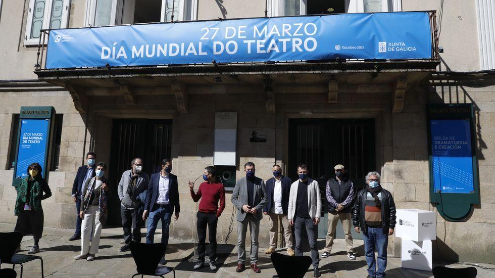 Reapertura del pórtico de la Gloria a las visitas.El conselleiro Román Rodríguez