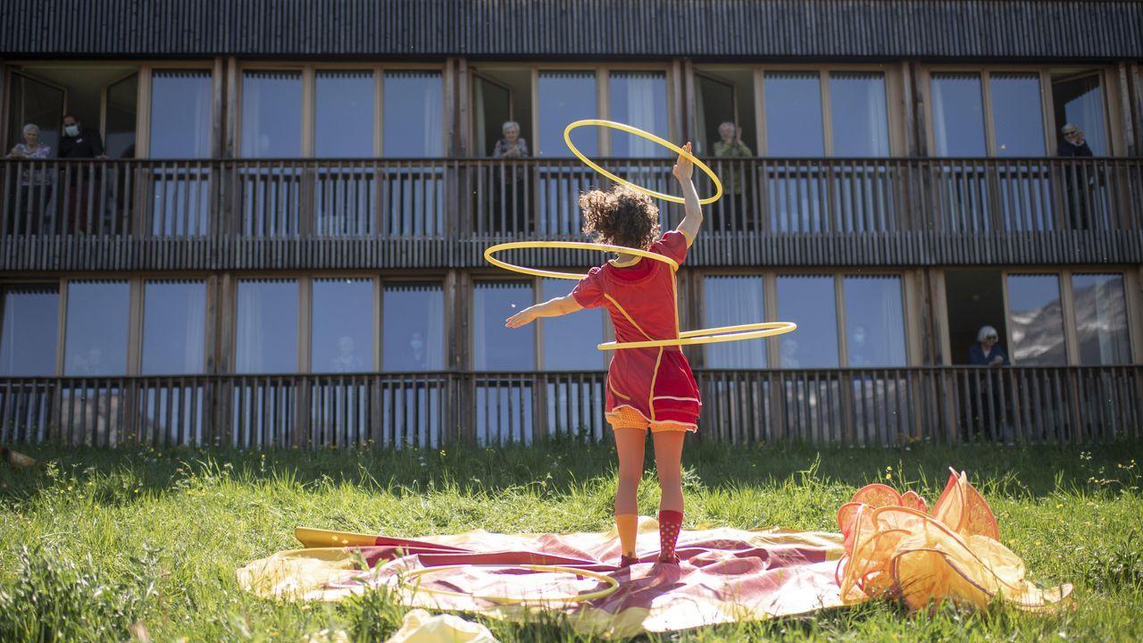 Suiza apuesta por la distancia social para prevenir la expansión del coronavirus