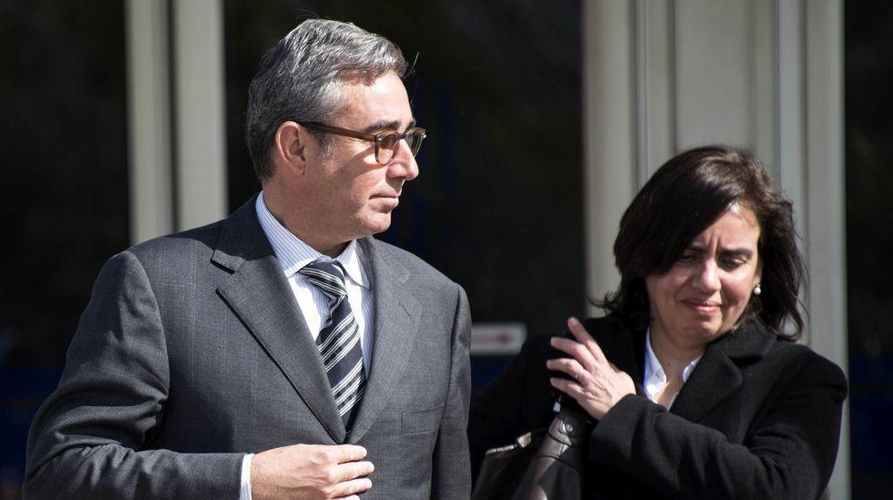 Diego Torres: «No le voy a contestar sobre estas cosas».Los hermanos de Iñaki Urdangarin, Clara y Mikel, asisten como público al juicio del caso Nóos.