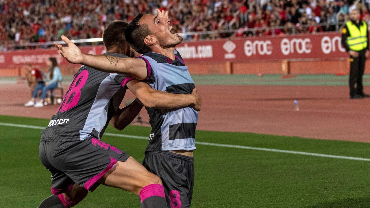 Álbum de fotos: Entrenamiento del Deportivo después de la derrota contra el Girona.Rubén de la Barrera, Martín Lasarte, Fernando Vázquez y José Luis Oltra