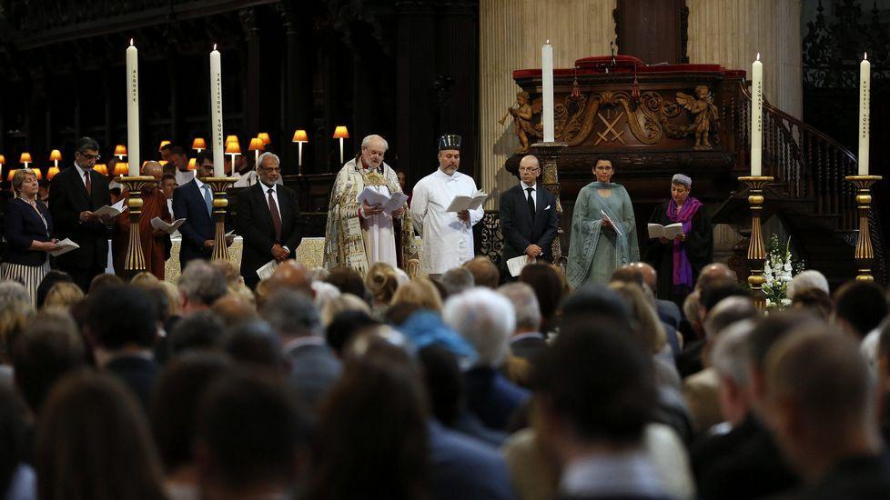 Ceremonia religiosa, en memoria de las víctimas del atentado, en la catedral de Saint Paul