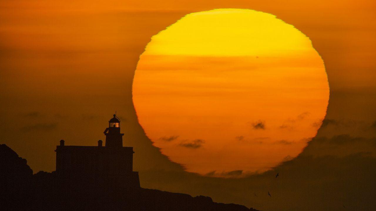 Puesta de sol sobre las Lobeira