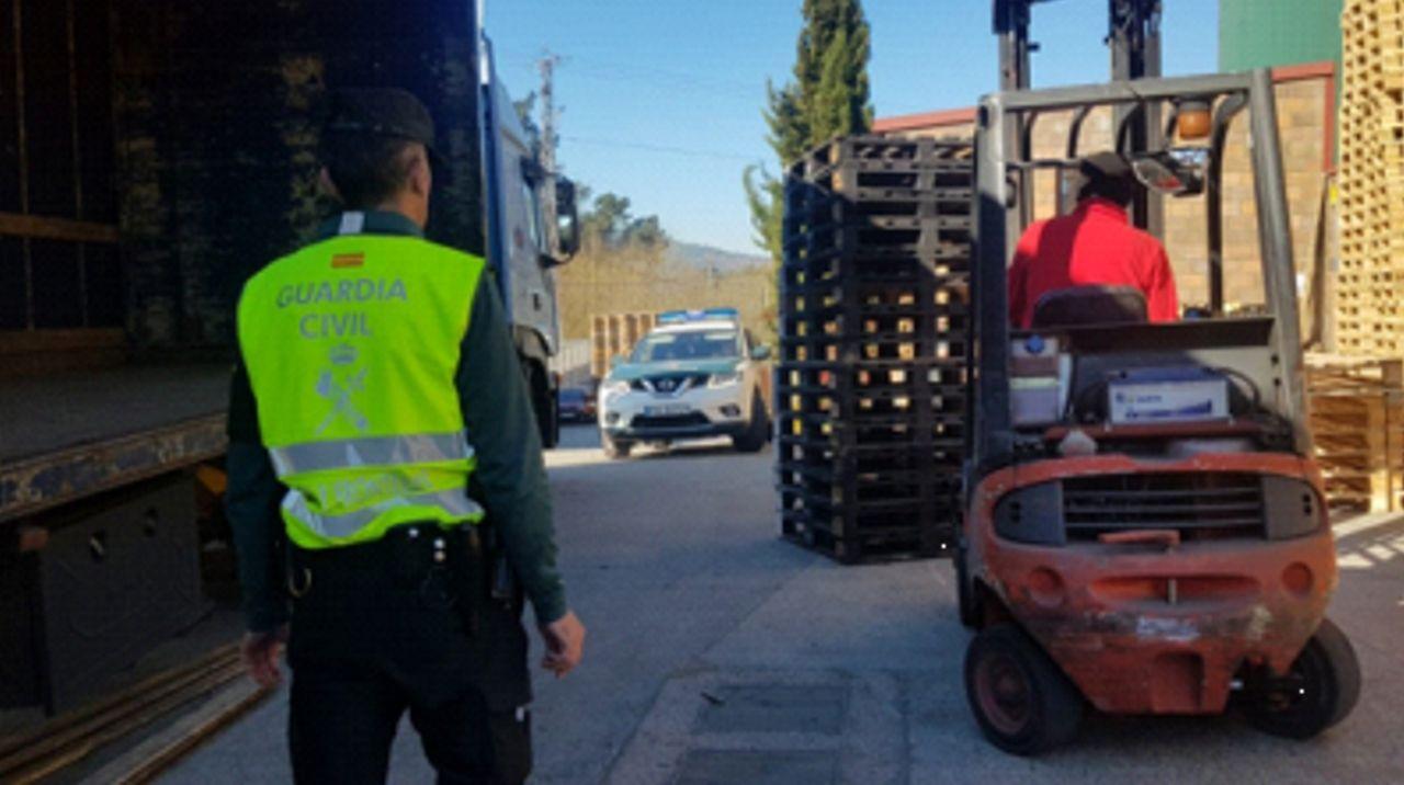 Tres detenidos en Mos por robar palés por valor de 24.000 euros
